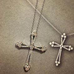 Now you can wear it ! #crosspendant #diamonds #diamondpendant #pendant #classic #croce #diamanti #heartsonfire #diamondsareforever #classic #jotd