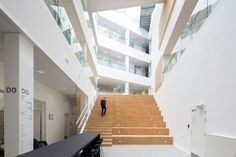 Image 1 of 27 from gallery of VIA University College Aarhus City / Arkitema Architects. Photograph by Niels Nygaard Aarhus, Contemporary Architecture, Interior Architecture, University Architecture, Stair Handrail, Space Interiors, Workplace Design, Learning Spaces, Architect Design