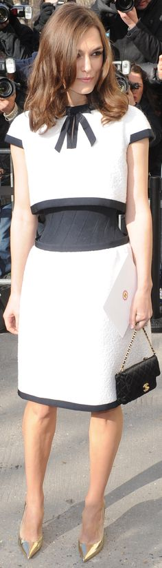 Parisian Chic- Keira Knightley - Chanel Fashion Show during Paris Fashion Week - LadyLuxuryDesigns Keira Knightley Chanel, Keira Christina Knightley, Chanel Fashion Show, Paris Fashion, Chanel Style, Fashion Details, Fashion Design, Classy And Fabulous, White Fashion
