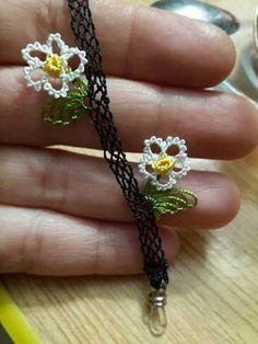 igne Needle Lace, Cross Stitch Embroidery, Diy Clothes, Needlepoint, Eyeglasses, Tatting, Needlework, Crochet Necklace, Chain