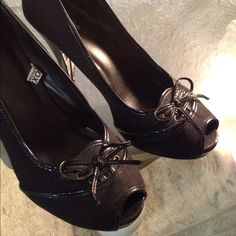 """•SOLD IN BUNDLE• Beautiful pair of peep toe black heels with patent trim and bow. 4"""" heels. Normal signs of wear but very minimal. Excellent condition.  Mossimo Supply Co Shoes Heels"""