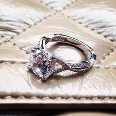 tacori ring- pretty sure I love. Like, LOVE this ring. Tacori Rings, Beautiful Diamond Rings, Wedding Bands, Wedding Things, Dream Wedding, Platinum Ring, Glamorous Wedding, Dream Ring, Designer Engagement Rings