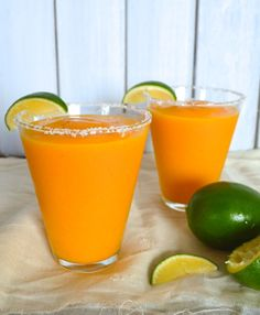 Frozen White Peach Mango Margaritas - holy moly, I think I'ma have to try these by the pool soon...