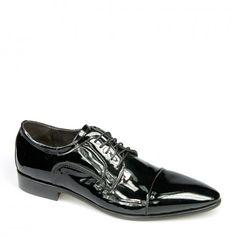 a8411bc75a54 Modello classico realizzato secondo la tradizione partenopea. Eleganti  scarpe in pelle di vitello verniciata, con suola in cuoio cucita e  incollata con ...