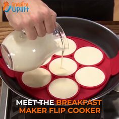 Breakfast Maker Flip Cooker 😍 Breakfast Maker Flip Cooker 😍 Great for cooking eggs, omelets, hash browns and so much more! The Flip Cooker is dishwash. Cooking Gadgets, Cooking Tools, Cooking Recipes, Cooking Eggs, Cool Kitchen Gadgets, Cool Kitchens, Pancake Maker, How To Cook Eggs, Vegetarian Recipes