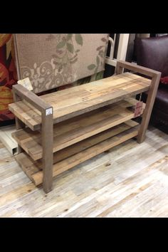 DIY Upcycled Pallet Shoe Rack