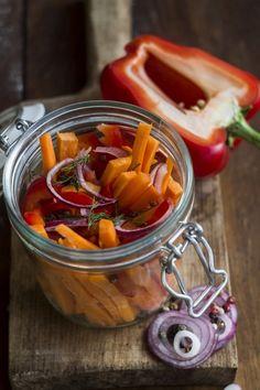 Tartósítás, befőzés - Kifőztük, online gasztromagazin Hungarian Recipes, Pickles, Cucumber, Sausage, Tasty, Meat, Vegetables, Cooking, Levek