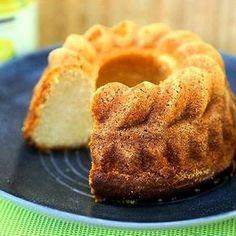 Lemon curd sitruunatahna antaa tälle kuivakakulle kunnolla sitruunan makua. #mukanamaku #ruokablogi #nytblogissa #ohjeblogissa #sitruunakakku #leivonta #ruokakuva