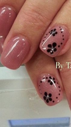 Pink and black Short Nails Art, Nail Art Videos, Fabulous Nails, Flower Nails, Creative Nails, Nail Arts, Skin Makeup, Toe Nails, Beauty Nails