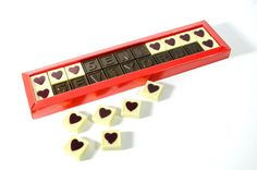 Sevgiyi anlatmanın en güzel yolu! Sevgililer günü için en tatlı ve en keyifli hediye.  çikolata sepeti, çikolatasepeti, chocolate, özel çikolata,ganaj,turuf, karamel, krokant, krenç, nuga,  mild