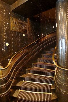 art deco furniture 1924 art deco staircase at Restaurant Prunier, Paris Architecture Art Nouveau, Art And Architecture, Architecture Details, Arte Art Deco, Estilo Art Deco, Art Deco Stil, Art Deco Home, Art Deco Decor, Art Deco Paris
