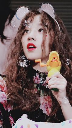 [HQ] yuqi (g)-idle fansign ©tto Pop Group, Girl Group, Hair Reference, Fandoms, Cube Entertainment, Soyeon, Neverland, Queen, Girl Crushes