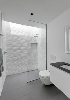 bodenebene duschsysteme badezimmer badezimmer dusche fliesen und bad. Black Bedroom Furniture Sets. Home Design Ideas