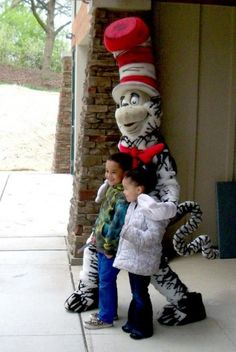 The cat in the hat knows alot about that dayton oh kids events