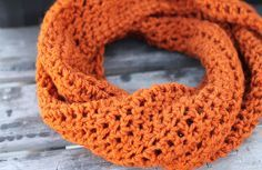 Twisty Crochet Cowl.  Of course you don't have to twist it, but I think that's a nice touch.  Just one skein, so this is like an evening of crocheting!  Easy!