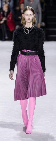 Balenciaga Fall-winter 2018-2019 - Ready-to-Wear - http://www.orientpalms.com/Balenciaga-7179 - ©ImaxTree