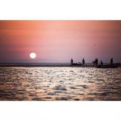 Kitepiter kitesafari. Day 4 ___________________ #enfondo_photo #nikon #Egypt #sea #kite #kitesurfing #kiteboarding #kiter #wind #love #passion #travel #shadows #adventure #wanderlust #islandlife #island  #beach #summer #instagood #summertime #LiveToKite #redsea #kitepiter #free #кайтбординг #кайтсерфинг #getoutthere #sunset #sun