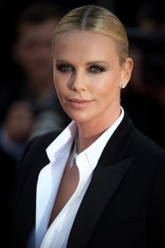 Charlize Theron at the 2016 Cannes premiere of 'The Last Face'. http://beautyeditor.ca/2016/05/24/cannes-film-festival-2016