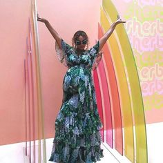 So who's ready to see Beyoncé get scalped bald? #Mariah #mariahcarey #drag #like #mariahfan #nickiminaj #Beyonce #Rihanna #rihannanavy #drag #dragging #like #tea #funny #barbz #thekingdom #hive #beyhive #scalped #bald #faves #ladygaga #drama #mess #messy #edgeless #mooriah #dragged #kardashian #blacchyna #celeb #celebrity @beyonce @beylite @yoncelive @beyh.ive @beyhiveshaderoom2.0 @yoncetv @yoncesince81 http://tipsrazzi.com/ipost/1524394560440400010/?code=BUnvMawlniK