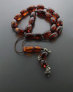 Kombolói made of amber Gemstone Bracelets, Jewelry Bracelets, Jewellery, Rosary Beads, Prayer Beads, Bare Beauty, Islamic Prayer, Amber Jewelry, Bead Art