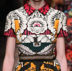 patternprints journal: PRINTS, PATTERNS AND SURFACE EFFECTS: BEAUTIFUL DETAILS FROM PARIS FASHION WEEK (WOMAN COLLECTIONS SPRING/SUMMER 2015) / 9