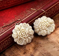 Stylish Floral Dangle Earrings