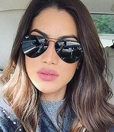 Curtsy: The buy/sell app for CUTE clothes 2020 Fashion Trends, Spring Fashion Trends, Spring Trends, Face Shape App, Face Shapes, Fashion Mumblr, Glasses For Your Face Shape, Baddie Tips, Round Ray Bans