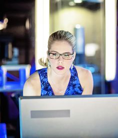 Felicity Smoak...what a gamer girl REALLY looks like.  >>> I'm not afraid to say that I look just as sexy as I work/game.