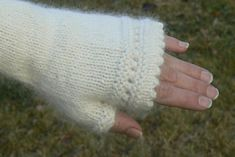 2 typer af picot kanter og en (virkelig!) nem måde at slå masker op på – Frk Garn Knitting Patterns Free, Free Knitting, Crochet Patterns, Free Pattern, Knit Mittens, Knitted Gloves, Knitted Scarves, Knitting Videos, Knitting Projects