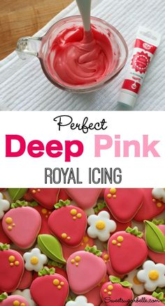 How to Make Perfect Deep Pink Icing - strawberries, leaves, & blossoms by Sweet Sugarbelle Icing Frosting, Pink Icing, Cookie Frosting, Frosting Recipes, Royal Icing Cookies, Icing Colors, Icing Tips, Fancy Cookies, Iced Cookies