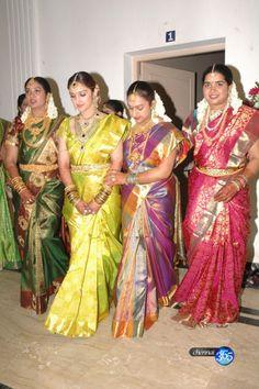 . South Indian Wedding Saree, South Indian Bride, Saree Wedding, Indian Bridal, New Indian Dresses, Bridesmaid Saree, Facial Yoga, Girls Status, Pretty Kids