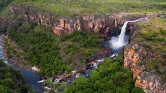 Kakadu National Park is located 171 kilometers from the city of Darwin. This park has an area of square kilometers. Kakadu National Park is the largest Australia Beach, Visit Australia, Australia Travel, Western Australia, Best Places To Live, Beautiful Places To Visit, Places To See, Kakadu National Park, Travel Alone