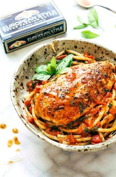 Low FODMAP Recipe and Gluten Free Recipe - Pan-fried chicken with tomato & olive sauce    http://www.ibs-health.com/low_fodmap_pan_fried_chicken_tomato_olive_sauce.html