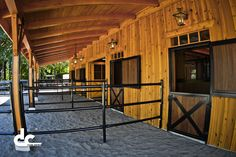 But with welded wire Check out this custom horse barn with living quarters at the Last Chance Ranch in West Linn, Oregon and see what DC Building can do for you. Barn Stalls, Horse Stalls, Stables, Rinder Stall, Small Horse Barns, Barn With Living Quarters, Barn Layout, Horse Barn Designs, Cattle Barn