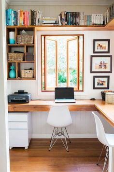 Contemporary Home Office Design Ideas - Search photos of contemporary home offices. Discover ideas for your trendy home office design with ideas for decor, storage as well as furniture. Home Office Layouts, Home Office Organization, Home Office Space, Office Workspace, Home Office Desks, Office Ideas, Office Designs, Organization Ideas, Workspace Design
