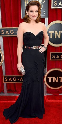 Tina Fey looked gorgeous in an Oscar de la Renta gown with a jeweled buckle, plus a minaudière by the designer and Fred Leighton jewelry. http://www.peoplestylewatch.com/people/stylewatch/package/gallery/0,,20658242_20665208,00.html#