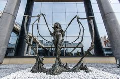 starcraft, queens, offices, kerrigan statu, the queen, statues, wow factor, france, blizzard offic