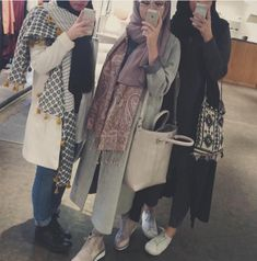 Find images and videos about hijab and hijab fashion on We Heart It - the app to get lost in what you love. Street Hijab Fashion, Arab Fashion, Islamic Fashion, Muslim Fashion, Modest Fashion, Fashion Outfits, Casual Hijab Outfit, Hijab Chic, Muslim Girls