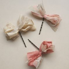 Vintage tulle lace and silk mixed in a hair bow (inspiring) Easy to make for my girls