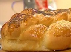 Sweet Challah Bread - so easy and sooo delicious... (in Hebrew)