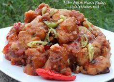 Punya tahu dirumah? Cobain 10 Resep Tahu yang Bisa Bikin Ngiler ini! > Kuliner | club.iyaa.com Kitchen 2016, Indonesian Food, Indonesian Recipes, Modelista, Tandoori Chicken, Tofu, Food And Drink, Health Fitness, Cooking Recipes