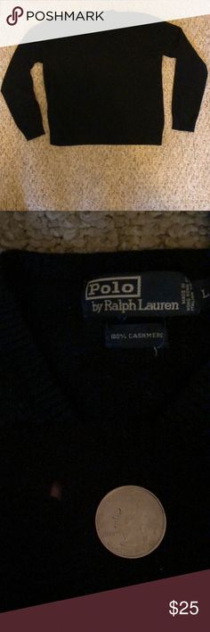 POLO BY RALPH LAUREN WOMENS LARGE SWEATER BEAUTIFUL POLO BY RALPH LAUREN LARGE BLACK %100 CASHMERE!!! THIS SWEATER IS SO COMFORTABLE AND CUTE!!! IT DOES HAVE A TINY HOLE WHICH I PIT A QUARTER NEXT TO SO YOU COULD SEE HOW TINY IT IS. THIS USED TO BE MY FAVORITE SWEATER AND THEN I GOT PREGNANT!!! SO MY LOSS IS YOUR GAIN! Polo by Ralph Lauren Sweaters V-Necks