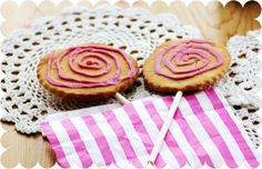 -The Yellow Buttercup-: Recipe: Cute Biscuit Lollies