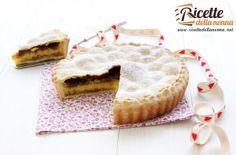 Tarta con crema y macarrones