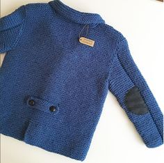 Baby cardigan making narrative - We also recommend you to read our previous article Derya Baykal gilet production. Baby Boy Knitting, Baby Knitting Patterns, Hand Knitting, Knit Baby Dress, Baby Cardigan, Crochet Coat, Baby Shark, Baby Sweaters, Kids Fashion