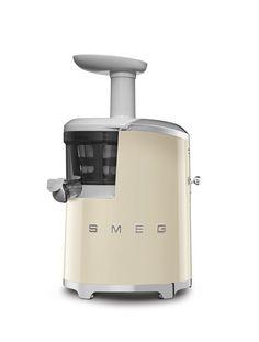 Smeg Slow Juicer in Cream Version