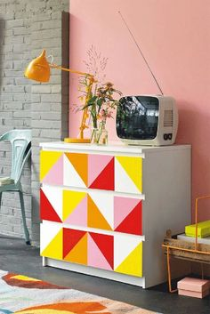 #DecorTrends #INVHome From furniture to walls, the colored geometric patterns is the new thing in luxury home decor.  Read More about global trends & styles in: www.invhome.in/blog  #INVHomeDecor #WebBoutique #InteriorDesign #HomeDecor #Decorate