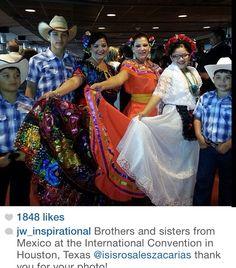 Spanish International Convention Houston ♥ our beautiful Jehovah's witnesses worldwide brotherhood