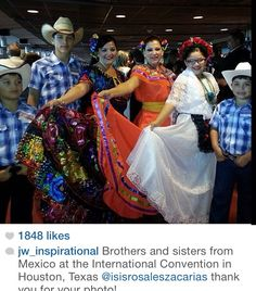 Spanish International Convention Houston ♥ our beautiful Jehovah's witnesses worldwide brotherhood
