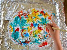 Activité pour les enfants avec de l'encre à dessiner #enfant #activities #activiteenfant #kidscraft Sprinkles, Crafts For Kids, Birthday Cake, Candy, Shaving Cream, Kid Crafts, Draw, Ink, Children